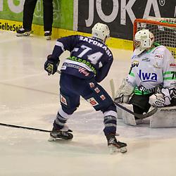DEL 2 - PLAY-OFFS - Finale: Kassel Huskies - Bietigheim Steelers am 14.05.2021 in der Eissporthalle in Kassel<br /> <br /> <br /> Torhüter Leon Doubrawa (Bietigheim Steelers 70) ist beim Tor zum 2 zu 0 durch Vincent Saponari (Kassel Huskies 74) geschlagen<br /> <br /> <br /> <br /> Foto © osnapix/PIX-Sportfotos *** Foto ist honorarpflichtig! *** Auf Anfrage in hoeherer Qualitaet/Aufloesung. Belegexemplar erbeten. Veroeffentlichung ausschliesslich fuer journalistisch-publizistische Zwecke. For editorial use only.