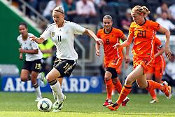 07-06-2011 VOETBAL: DUITSLAND - NEDERLAND: AACHEN<br /> Alexnadra Popp (Deutschland, Duisburg) (L) gegen Kirsten van de Ven (Niederlande, Tilburg) (R)  // during the WM 2012 Friendly Game Germany vs Netherland at Tivoli Aachen <br /> *** NETHERLANDS ONLY ***<br /> ©2011-FotoHoogendoorn.nl/ nph / Mueller