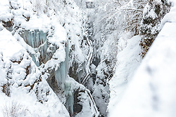THEMENBILD - der Blick in die Sigmund-Thun-Klamm mit Schnee und Eiszapfen, aufgenommen am 03. Februar 2018, Kaprun, Österreich // the view into the Sigmund-Thun-Klamm with snow and icicles on 2018/02/03, Kaprun, Austria. EXPA Pictures © 2018, PhotoCredit: EXPA/ Stefanie Oberhauser