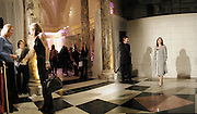 Alex Shulman. Versace exhibition opening. V. & A. 14 October 2002. © Copyright Photograph by Dafydd Jones 66 Stockwell Park Rd. London SW9 0DA Tel 020 7733 0108 www.dafjones.com