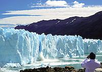 Glacier Calving. Perito Moreno Glacier, Los Glaciares National Park. Image taken with a Nikon D3s and 50 f/1.4 mm lens (ISO 200, f/9, 1/320 sec).