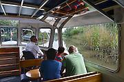 Nederland, Werkendam, 25-5-2014Natuurgebied Hollandse Biesbosch, rondvaart met elektrisch aangedreven fluisterboot.De biesbosch is naast natuurgebied ook recreatiegebied. Op het water varen zeilboten, luxe plezierjachten, sloepen en kanos.Foto: Flip Franssen/Hollandse Hoogte