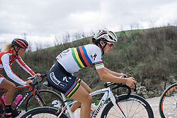 Lizzie Armitstead relaxed on even the toughest of climbs - 2016 Strade Bianche - Elite Women, a 121km road race from Siena to Piazza del Campo on March 5, 2016 in Tuscany, Italy.