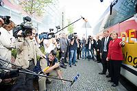 21 AUG 2008, BERLIN/GERMANY:<br /> Ronald Pofalla (L), CDU Generalsekretaer, und Angela Merkel (R), CDU, Bundeskanzlerin, und Journalisten vor dem Tourbus, Auftaktveranstaltung zur Dialog-Tour des CDU Generalsekretaers, Konrad-Adenauer-Haus<br /> IMAGE: 20080821-01-028<br /> KEYWORDS: camera, Kamera