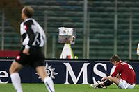 Fotball<br /> Serie A Italia 2004/05<br /> Roma v Siena<br /> 20. april 2005<br /> Foto: Digitalsport<br /> NORWAY ONLY<br /> de rossi a terra mentre falsini corre ad esultare per il gol<br />  di chiesa