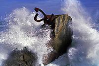 España.San Sebastian. Peine de los Vientos <br /> Escultura del artista Chillida 'El Peine  de los Vientos<br /> <br /> Artist Chillida's sculpture 'The Comb of the Winds', San Sebastian<br /> <br /> ©JOAN COSTA