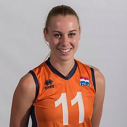 07-06-2016 NED: Jeugd Oranje meisjes <2000, Arnhem<br /> Photoshoot met de meisjes uit jeugd Oranje die na 1 januari 2000 geboren zijn / Lisa Nobel