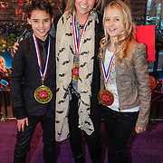 NLD/Haarlem/20121208 - Premiere Wreck - It Ralph, Ingrid Jansen en finalisten Junior Dance Pernilla en Joey