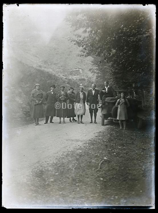 road trip family portrait France 1933