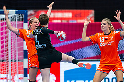 Danick Snelder of Netherlands, Kelly Dulfer of Netherlands, Alina Grijseels of Germany in action during the Women's EHF Euro 2020 match between Netherlands and Germany at Sydbank Arena on december 14, 2020 in Kolding, Denmark (Photo by RHF Agency/Ronald Hoogendoorn)