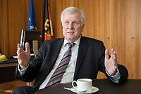 20 JUN 2018, BERLIN/GERMANY:<br /> Horst Seehofer, CSU, Bundesinnenminister, waehrend einem Interview, in seinem Buero, Bundesministerium des Inneren<br /> IMAGE: 20180620-02-019-<br /> KEYWORDS: Büro