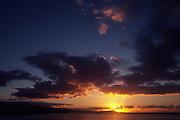 Sunrise behind Diamond Head, Waikiki, Oahu, Hawaii<br />