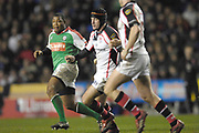 Reading, GREAT BRITAIN, [L] Delon ARMITAGE, [C] David HUMPHRESYS, during the third round Heineken Cup game, London Irish vs Ulster Rugby, at the Madejski Stadium, Reading ENGLAND, Sat 09.12.2006. [Photo Peter Spurrier/Intersport Images]