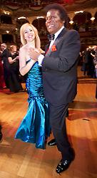 28.01.2012, Graz, AUT, Opernredoute, im Bild Roberto Blanco und seine Lebensgefährtin Luzandra beim Tanzen, EXPA Pictures © 2012, PhotoCredit: EXPA/ Erwin Scheriau
