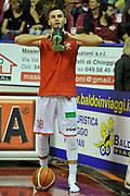 DESCRIZIONE : Venezia Lega A 2015-16 Umana Reyer Venezia - grissini Bon Reggio Emilia<br /> GIOCATORE : Stefano Gentile<br /> CATEGORIA : before<br /> SQUADRA : Umana Reyer Venezia<br /> EVENTO : Campionato Lega A 2015-2016 <br /> GARA : Umana Reyer Venezia - Grissin Bon Reggio Emilia<br /> DATA : 15/11/2015<br /> SPORT : Pallacanestro <br /> AUTORE : Agenzia Ciamillo-Castoria/M.Gregolin<br /> Galleria : Lega Basket A 2015-2016  <br /> Fotonotizia :  Venezia Lega A 2015-16 Umana Reyer Venezia - Grissin Bon Reggio Emilia