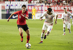 SUWON, Sept. 12, 2018  Hwang Uijo (L) of South Korea vies with Guillermo Maripan of Chile during a friendly soccer match between South Korea and Chile at Suwon World Cup Stadium in Suwon, South Korea, on Sept. 11, 2018. The match ended with a 0-0 draw. (Credit Image: © Lee Sang-Ho/Xinhua via ZUMA Wire)