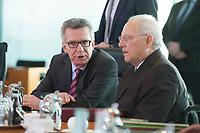17 FEB 2016, BERLIN/GERMANY:<br /> Thomas de Maiziere (L), CDU, Bundesinnenminister, und Wolfgang Schaeuble (R), CDU, Bundesfinanzminister, im Gespraech, vor Beginn der Kabinettsitzung, Bundeskanzleramt<br /> IMAGE: 20160217-01-007<br /> KEYWORDS: Kabinett, Sitzung, Thomas de Maizière, Wolfgang Schäuble, Gespräch