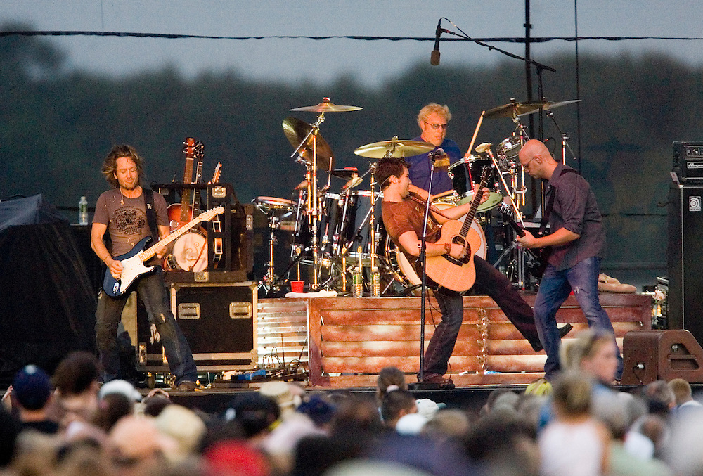 (PPAGE1) TOMS RIVER 8/29/2005  Country music star Keith Urban (left) rocks with his bands during River Fest at Toms River High School North.  Michael J. Treola Staff Photographer....MJT