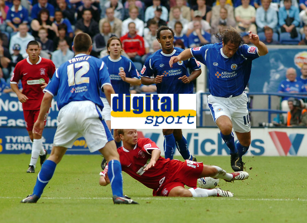 Photo: Kevin Poolman.<br />Leicester City v Southend United. Coca Cola Championship. 26/08/2006. Leicester's Andy Johnson is stopped by Southend's Luke Guttridge.