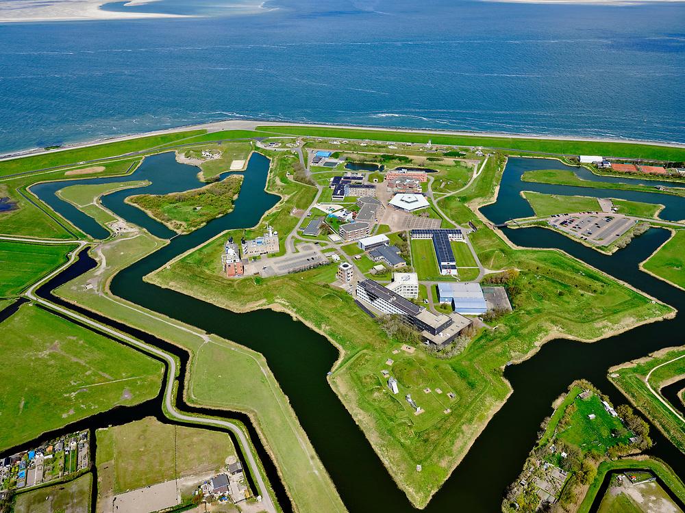 Nederland, Noord-Holland, gemeente Den Helder, 07-05-2021; Huisduinen met Fort Erfprins (Marinekazerne). Huisduinen with Fort Erfprins (Naval Barracks).<br /> <br /> luchtfoto (toeslag op standard tarieven);<br /> aerial photo (additional fee required)<br /> copyright © 2021 foto/photo Siebe Swart