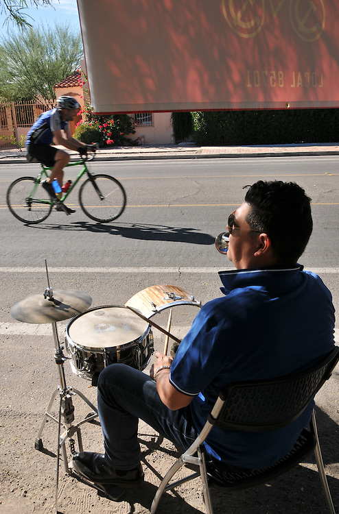 Biking Workers band welcomes Tour de Tucson finishers to the Armory Park neighborhood. Bike-tography by Martha Retallick.