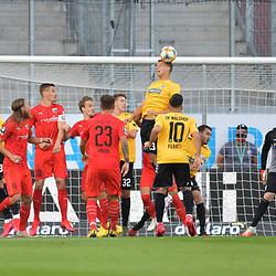 Spiel am 35 Spieltag in der Saison 2019-2020 in der 3. Bundesliga zwischen dem FC Ingolstadt 04 und dem SV Waldhof Mannheim am 24.06.2020 in Ingolstadt. <br /> <br /> Michael Schultz (Nr.23, SV Waldhof Mannheim) kann mit dem Kopf klären<br /> <br /> Foto © PIX-Sportfotos *** Foto ist honorarpflichtig! *** Auf Anfrage in hoeherer Qualitaet/Aufloesung. Belegexemplar erbeten. Veroeffentlichung ausschliesslich fuer journalistisch-publizistische Zwecke. For editorial use only. DFL regulations prohibit any use of photographs as image sequences and/or quasi-video.