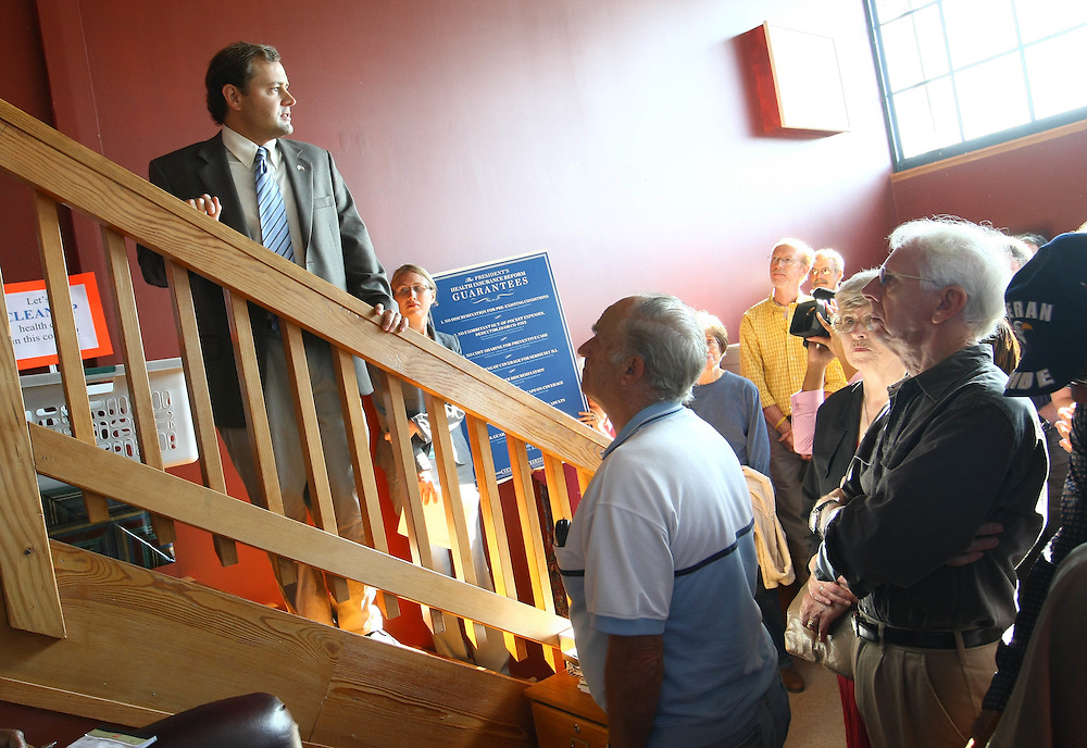Organizing for America (OFA), a grassroots project of the Democratic National Committee (DNC) dedicated to supporting the Presidentís agenda for change, thanked Congressman Tom Perriello for his support with the health care reform Tuesday in Charlottesville. .. Photo/Andrew Shurtleff......