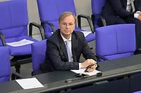 DEU, Deutschland, Germany, Berlin, 01.10.2020: Thomas Rachel CDU), Parlamentarischer Staatssekretär im Bundesbildungsministerium, während der Haushaltsdebatte im Plenarsaal des Deutschen Bundestags.