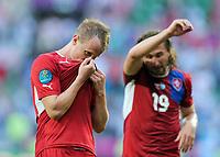 Fotball<br /> EM 2012<br /> 12.06.2012<br /> Tsjekkia v Hellas<br /> Foto: Witters/Digitalsport<br /> NORWAY ONLY<br /> <br /> Schlussjubel David Limbersky (Tschechien), Kuss Trikot<br /> Fussball EURO 2012, Vorrunde, Gruppe A, Griechenland - Tschechien 1:2