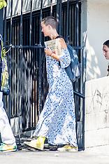 Kate Hudson on the set of Sister - 29 Aug 2017