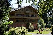 Gutshof im Lindenhofpark, Lindau, Bodensee, Bayern, Deutschland