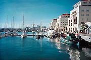Spanje. Gibraltar, 8-6-2006Queensway Quai. Jachthaven en appartementen. ToerismeFoto: Flip Franssen