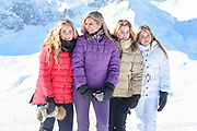 Fotosessie met de koninklijke familie in Lech /// Photoshoot with the Dutch royal family in Lech .<br /> <br /> Op de foto/ On the photo:  Koningin Maxima,  Prinses Amalia, Prinses Alexia en Prinses Ariane ///// Queen Maxima,  Princess Amalia, Princess Alexia and Princess Ariane
