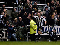 Photo: Jed Wee.<br />Newcastle United v Middlesbrough. The Barclays Premiership. 02/01/2006.<br />Newcastle's Lee Clark celebrates his injury time equaliser.