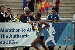 November 12, 2017 - Athens, Attica, Greece - Bedaru Hirpa Badene from Ethiopia wins the women race at the 35th Athens Classic Marathon in Athens, Greece, November 12, 2017. (Credit Image: © Giorgos Georgiou/NurPhoto via ZUMA Press)