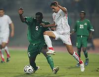 v.l. Elijah Tana, Anis Ayari Tunesien<br /> Africa Cup 2006 Tunesien - Zambia<br /> Tunisia <br /> Norway only