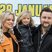 NLD/Amsterdam/20150125 - Premiere Spongebob in 3D - Sponge op het Droge, Dennis Weening, partner Stella Maassen en dochter Coco Sophie