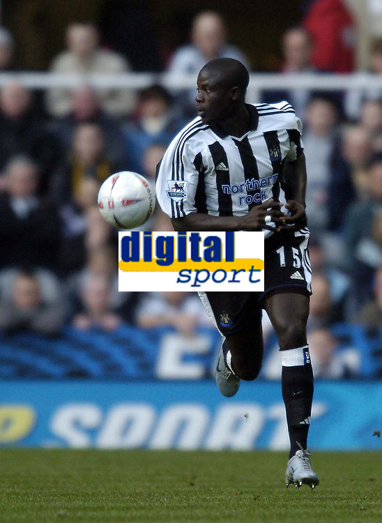 Fotball<br /> FA-cup 2005<br /> Newcastle v Coventry<br /> 29. januar 2005<br /> Foto: Digitalsport<br /> NORWAY ONLY<br /> Amdy Faye makes an excellent debut for Newcastle.