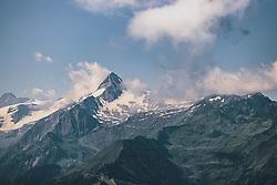 THEMENBILD - Blick auf das Kitzsteinhorn, aufgenommen am 30. Juli 2020 in Zell am See, Österreich // View of the Kitzsteinhorn, Zell am See, Austria on 2020/07/30. EXPA Pictures © 2020, PhotoCredit: EXPA/ JFK