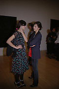 CHARLIE ANGELA AND SOPHIE HUNTER. Private view for the Turner prize  2005.  Tate. Britain. 17 October 2005. ONE TIME USE ONLY - DO NOT ARCHIVE © Copyright Photograph by Dafydd Jones 66 Stockwell Park Rd. London SW9 0DA Tel 020 7733 0108 www.dafjones.com