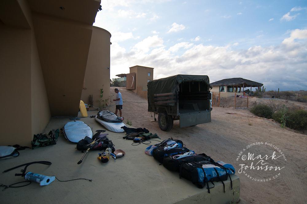 Jeff King prepping for our San Carlos kiting & surfing trip, Distilideros, Baja California Sur, Mexico
