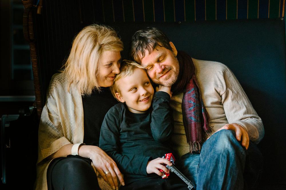 Familienfoto – Annette trägt ihre Perücke