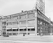 ackroyd-00133-03. White Stag building next to Burnside Bridge. Note White Satin Sugar sign is still on building. September 1947.