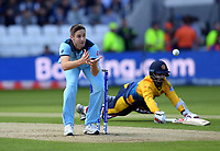 Cricket - 2019 ICC Cricket World Cup - Group Stage: England vs. Sri Lanka<br /> <br /> Sri Lanka's Kusal Mendis narrowly avoids being run out by England's Chris Woakes, at Headingley, Leeds<br /> <br /> COLORSPORT/ASHLEY WESTERN