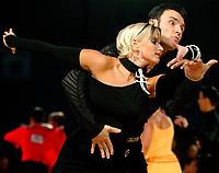 Drammen 06042003 NM i Dans i Konnerudhallen. Standarddanser. Øystein Sæthre og Janette Luhr Olsen<br /> <br /> Foto:Digitalsport