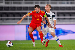 HELSINKI, FINLAND - Thursday, September 3, 2020: Wales' Ben Davies (L) and Finland's Ilmari Niskanen during the UEFA Nations League Group Stage League B Group 4 match between Finland and Wales at the Helsingin Olympiastadion. (Pic by Jussi Eskola/Propaganda)