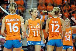 18-09-2011 VOLLEYBAL: DELA TROPHY NEDERLAND - TURKIJE: ALMERE<br /> Nederland wint met 3-0 van Turkije en wint hierdoor de DELA Trophy / (L-R) Debby Stam-Pilon, Caroline Wensink, Captain Manon Flier, Laura Dijkema<br /> ©2011-FotoHoogendoorn.nl
