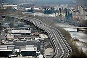 Italie, Bolzano, 8-3-2008..De Brenner autobahn bij..Bolzano. Bozen, is na de eerste wereldoorlog bij Italië gevoegd en is tweetalig. De bevolking is sterk gericht op Oostenrijk...Foto: Flip Franssen