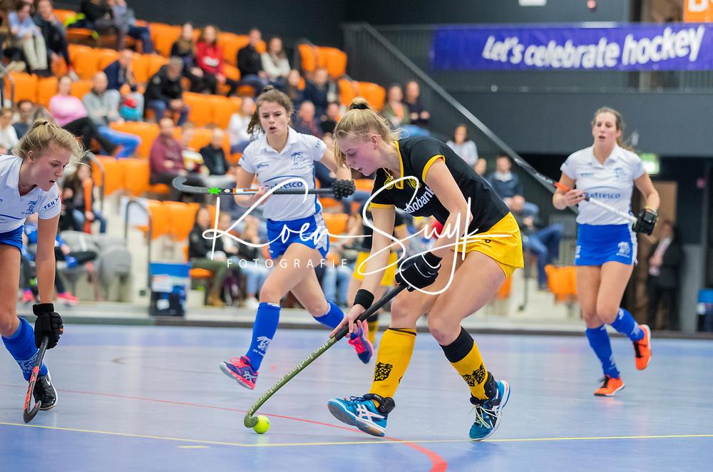 ROTTERDAM  - NK Zaalhockey .Kampong-Den Bosch dames voor brons. Teuntje de Wit (Den Bosch)    COPYRIGHT KOEN SUYK