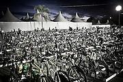 FLORIANOPOLIS, SC, BRA. 29/05/2011..IRON MAN BRASIL...Praia de Jerere Internacional, e cenario para o Iron Man Brasil. Dois mil atletas inscritos para realizar a prova que reuni tres modalidades, 3.8km de natacao, 180.2km de ciclismo e 42.2km de corrida...Foto: Rodrigo Lima / NITRO